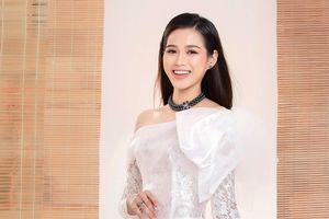 Cận cảnh nhan sắc tân Hoa hậu Đỗ Thị Hà