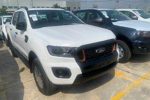 'Hàng nóng' Ford Ranger và Everest 2021 cập cảng Việt Nam