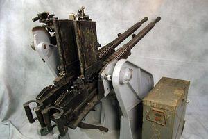 Điểm kỳ dị của súng máy Hotchkiss M1929 được quân phát xít tin dùng