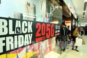 Các nhà bán lẻ Canada gặp khó khi Black Friday cận kề