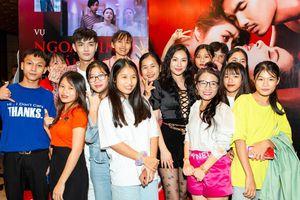 Yaya Trương Nhi bất ngờ vì fan đột kích ngày công chiếu phim 'Chồng người ta'