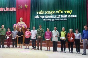 Hà Tĩnh: Trao hơn 50 suất quà ủng hộ nhân dân vùng lũ