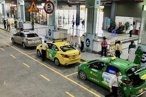 Yêu cầu xử lý nghiêm tài xế taxi 'chê khách gần', 'làm giá' ở sân bay Tân Sơn Nhất