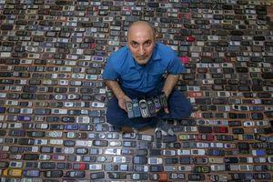 'Gia tài khổng lồ' của người đàn ông dùng 20 năm sưu tập điện thoại