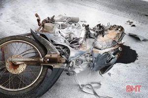 Tai nạn giao thông ở Lộc Hà làm 1 người chết, 2 xe bốc cháy