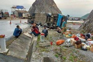 Hé lộ nguyên nhân vụ tai nạn lật xe giường nằm kinh hoàng khiến 12 người thương vong ở Hòa Bình