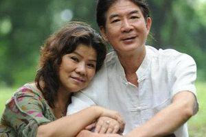 Chồng kém 6 tuổi của NSND Thanh Hoa khoe gia trang rộng ngàn m2, tiết lộ vợ mê vì đẹp trai
