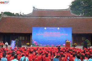 Hơn 500 tân sinh viên ngành Du lịch tham gia chương trình hành động bảo vệ môi trường di sản