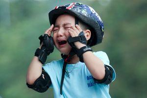 Vận động viên nhí bật khóc ở giải Roller Sports 2020