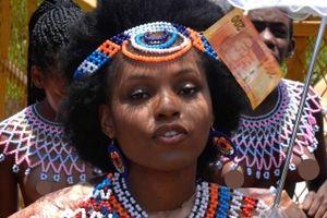Những bữa tiệc mừng trinh tiết ở Nam Phi