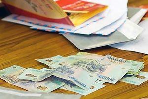 Cô giáo chủ nhiệm lấy trộm tiền của học sinh