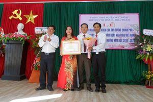 Trường Tiểu học Hoàng Hoa Thám nhận Bằng khen của Thủ tướng