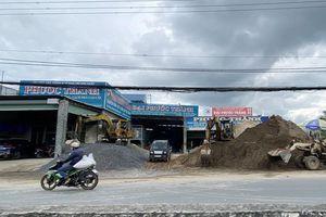 Tiền Giang: Yêu cầu di chuyển bãi vật liệu xây dựng ngay sát quốc lộ 1