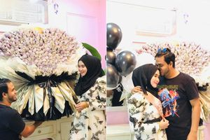 Thanh niên tặng vợ bó hoa tiền 164 triệu đồng nhân ngày sinh nhật: Anh chồng tâm lý nhất năm đây rồi!