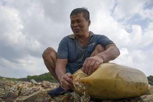 'Hiệp sĩ mù' 40 năm lặn biển mưu sinh
