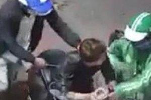 Vụ mặc áo GrabBike gí dao cướp xe máy Vespa và iPhone ở Sài Gòn: Bắt giữ hai đối tượng, thu hồi tang vật