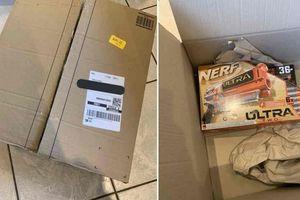 Đặt mua PlayStation 5, người dùng nhận được bao gạo