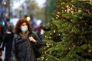 Châu Âu lo ngại tình trạng 'siêu lây nhiễm' Covid-19 trong mùa Giáng sinh