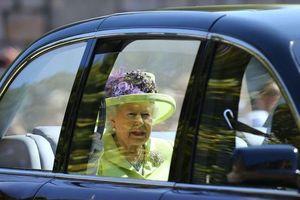 Những quy tắc bất di bất dịch khi gặp Nữ hoàng Anh