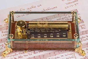 Quốc ca Việt Nam xuất hiện trên hộp nhạc thương hiệu 'xa xỉ' Thụy Sỹ