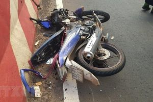 Bình Phước: Xe máy đâm vào đuôi xe ôtô, 2 người tử vong tại chỗ