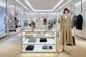 Dior 'thắp sáng' thủ đô Hà Nội với cửa hàng mới đẹp lung linh