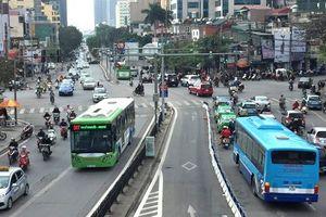 Kiến nghị sớm triển khai 14 tuyến đường riêng cho xe buýt tại Hà Nội