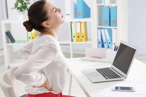 Công thức '3 cần 1 tránh' thoát sỏi tiết niệu cho người bận rộn