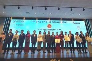 Doanh nghiệp Hàn Quốc trao 100 suất học bổng tới sinh viên nghèo, học giỏi
