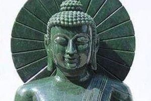2.500 người rước tượng phật ngọc nặng 3,8 tấn về Đông Triều