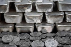 Giá bạc đang trong đà giảm nhờ triển vọng tích cực của hồi phục kinh tế toàn cầu