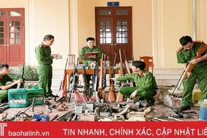 Công an huyện Hương Sơn thu hồi hàng trăm loại vũ khí, vật liệu nổ