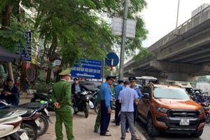 Liên ngành rốt ráo xử lý ôtô dừng đỗ trên đường Nghiêm Xuân Yêm