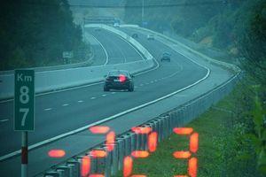 Chạy 223 km/h trên cao tốc, tài xế xe BMW bị phạt 11 triệu đồng