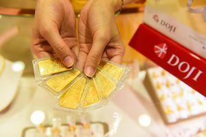 Giá vàng ngày hôm nay (25/11) trượt dốc không phanh, giảm cả triệu đồng/lượng