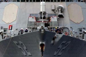 Mỹ tuyên bố đưa khu trục hạm mang tên lửa dẫn đường USS Barry trở lại Biển Đông