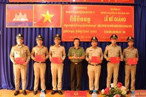 Bế giảng khóa đào tạo hệ cao đẳng đầu tiên cho học viên Campuchia