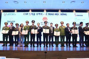 56 doanh nghiệp Hàn Quốc trao 100 suất học bổng cho sinh viên Việt Nam