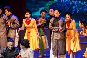 Kim Tử Long: 'Đi thi thật hay mà về diễn không ai xem thì buồn lắm!'