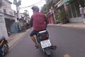 Camera giao thông: Trinh sát hình sự phóng xe truy bắt kẻ cướp dây chuyền tại TPHCM
