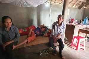 Nghệ An: 17 năm sống chung với căn bệnh viêm cột sống dính khớp vì không có tiền chữa trị
