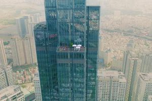 Trường học mở trên đỉnh tòa nhà cao nhất Đông Nam Á để bảo vệ trẻ em khỏi ô nhiễm không khí