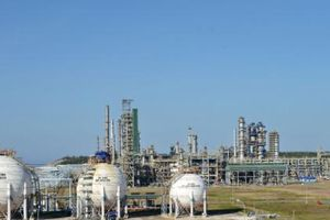 Lọc hóa dầu Bình Sơn hoãn kế hoạch đưa 3,1 tỷ cổ phiếu lên sàn