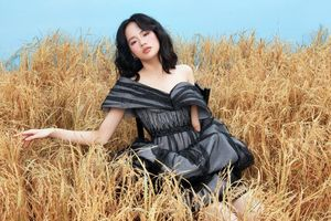 Người mẫu Hà Phương tiếp tục sứ mệnh 'nàng thơ' trong bộ hình mới với các thiết kế từ NTK Hà Duy