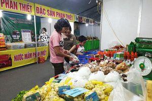 120 gian hàng tham gia Hội chợ nông sản, thực phẩm, sản phẩm OCOP