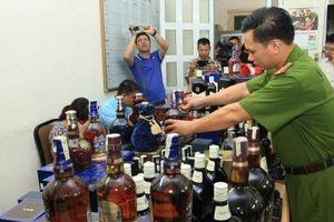 Hà Nội: Xử lý hàng loạt vụ 'thẩm lậu' hàng lậu, hàng cấm