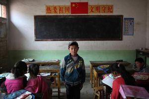 Những đứa trẻ bị bỏ lại ở vùng quê Cam Túc