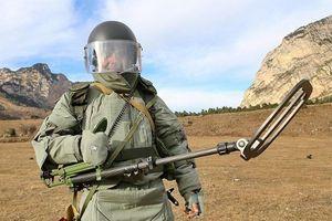 Ngắm sướng mắt trang bị rà phá bom của lính Công binh Nga