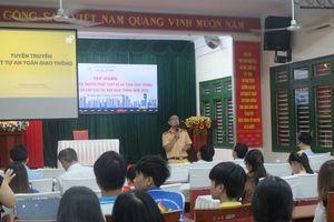 Hàng trăm sinh viên ĐH Đà Nẵng được tập huấn công tác tuyên truyền ATGT