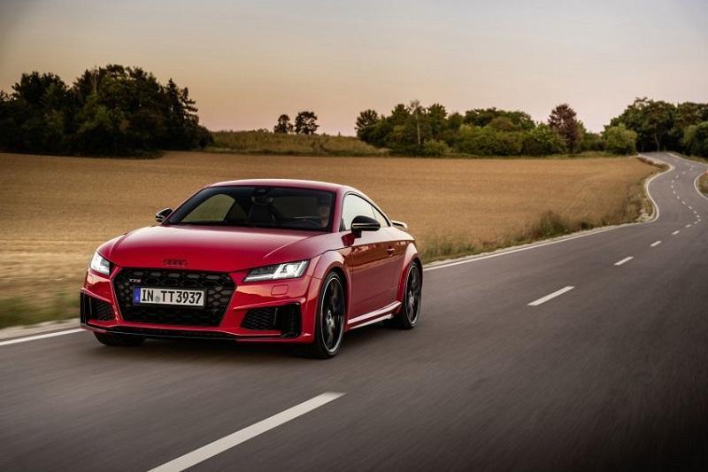 Audi TTS 2021: Công bố tăng sức mạnh, ra mắt phiên bản Competition Plus và Bronze Selection cho châu Âu